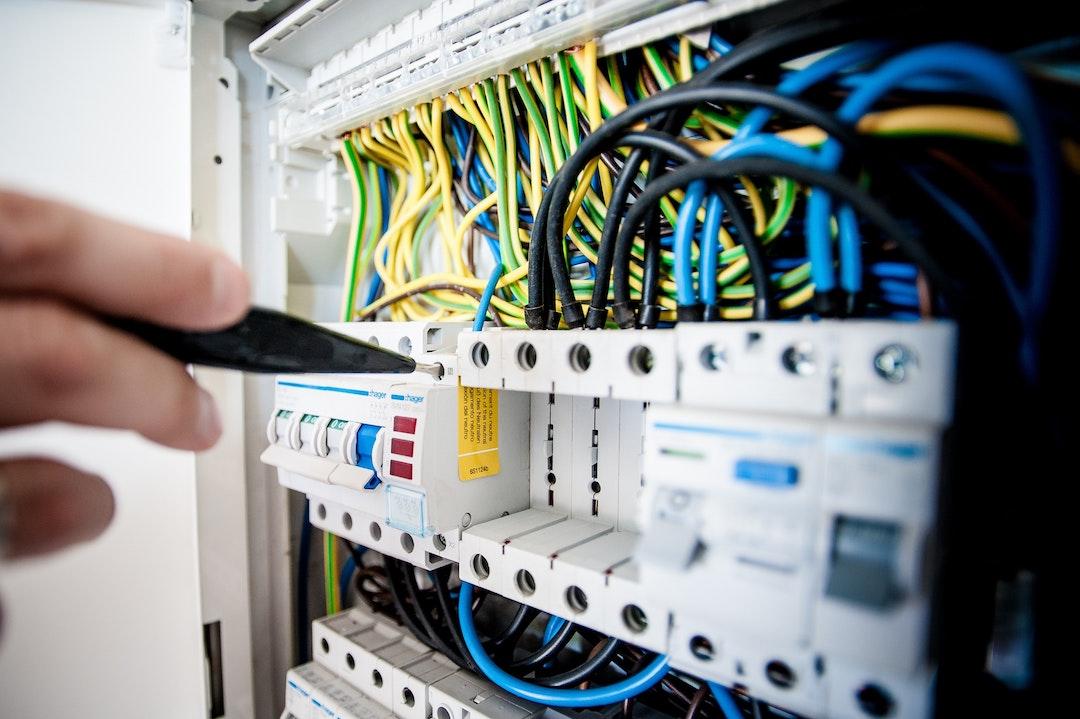 varmepumpe service kabler